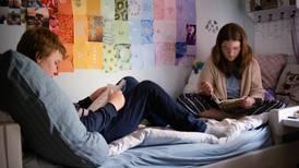 Norske barns fritid: 5 timar på skjerm, 11 minutt på bøker