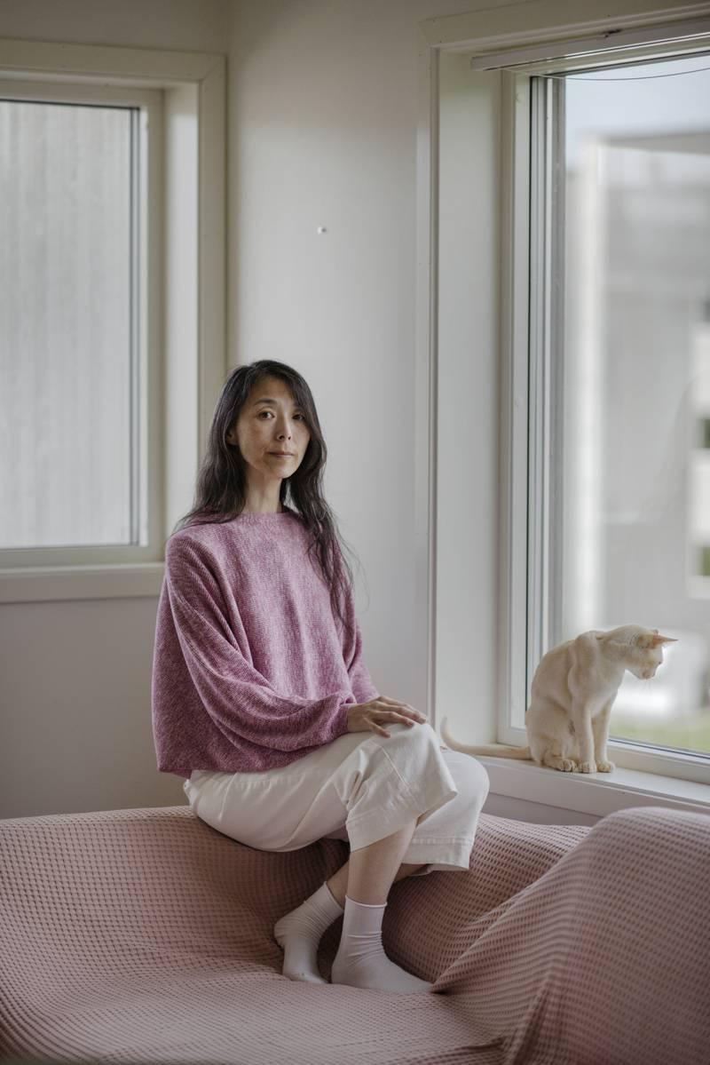 Portrett av forfatter Berit Ellingsen fotografert i sitt hjem på Rennesøy, Stavanger14.07.2021.