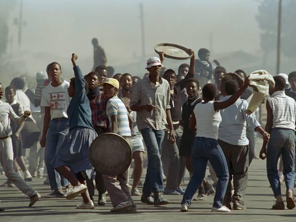 Sørafrikansk litteratur er ikke for pyser, skriver Tonje Vold.