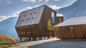 For barna våre vil moderne arkitektur i fjellet være like lite eksotisk som Kvikk Lunsj og blå-Swix, skriver Gaute Brochmann.