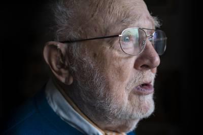 Portrett av en morfar, før og etter vaksinen