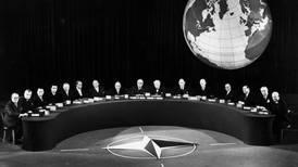 Nato 70 år – omkring deg vi står