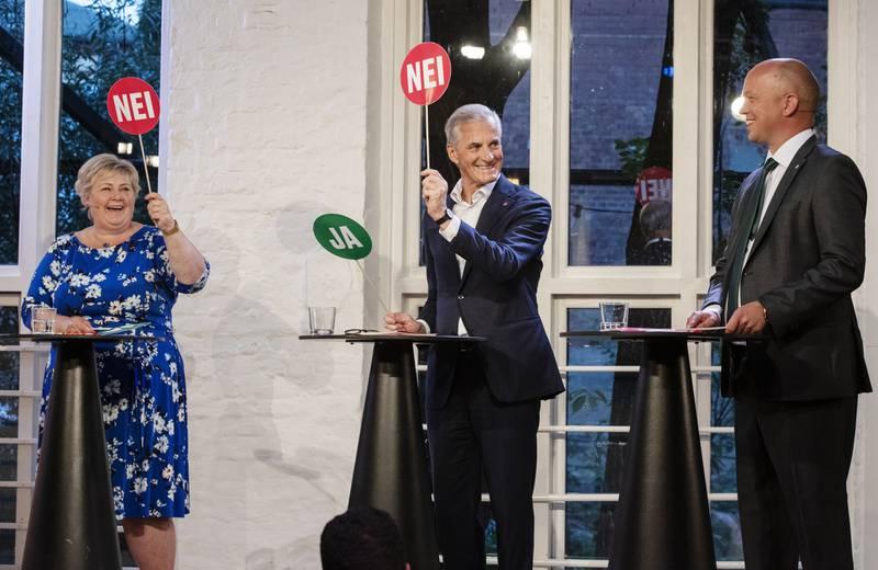 OSLO 20210809.  Statsministerdebatt på VGTV med Sp-leder Trygve Slagsvold Vedum (f.h.), Ap-leder Jonas Gahr Støre og statsminister Erna Solberg (H) Foto: Berit Roald / NTB