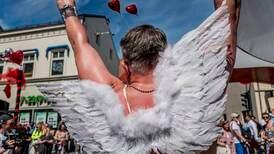 – Forstår at folk tenker på Pride som en sexfest